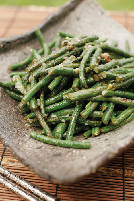 Yard Bean with Lemon Garlic Sauce