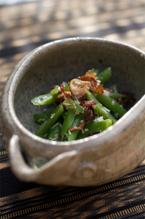 Sayur Urab - Bali style green bean salad with coconut and chilies