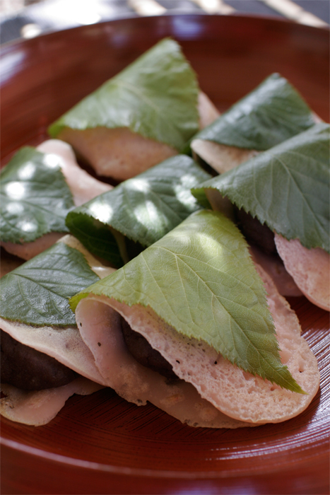 Sakura Mochi - Learn to preserve your own garden cherry leaves and prepare Koshi-Ann (puréed sweet beans)